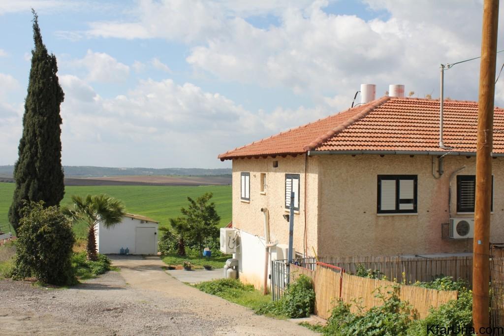 כפר אוריה - בית במושב