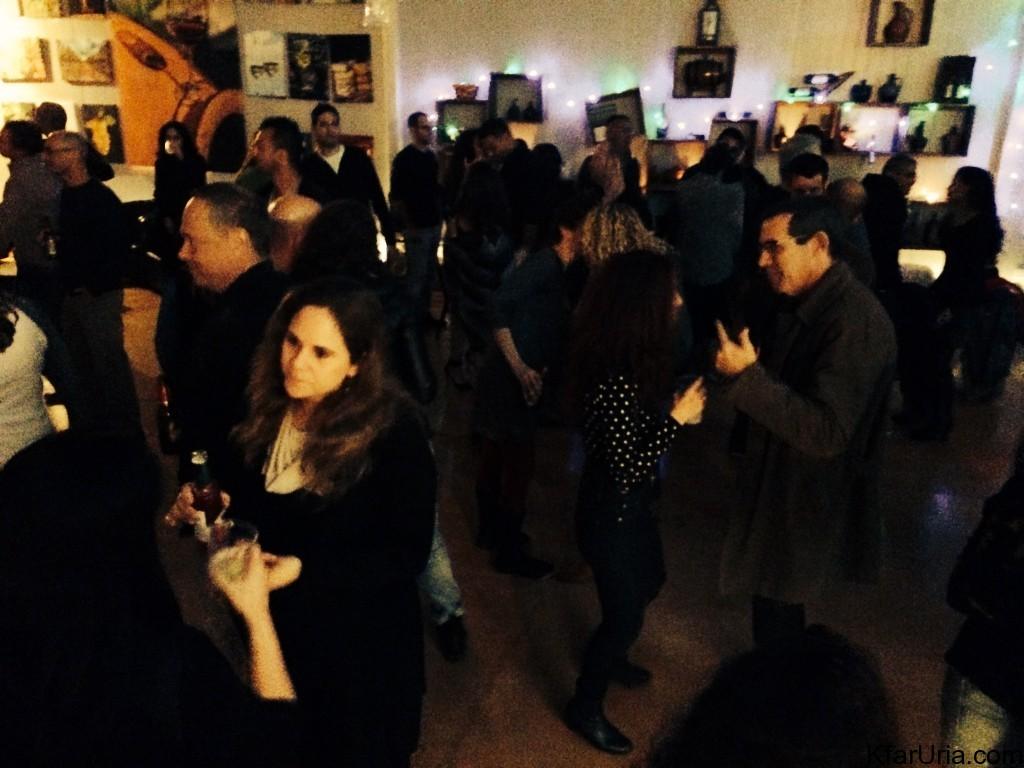 רוקדים במסיבת השנה האזרחית החדשה של כפר אוריה 2015