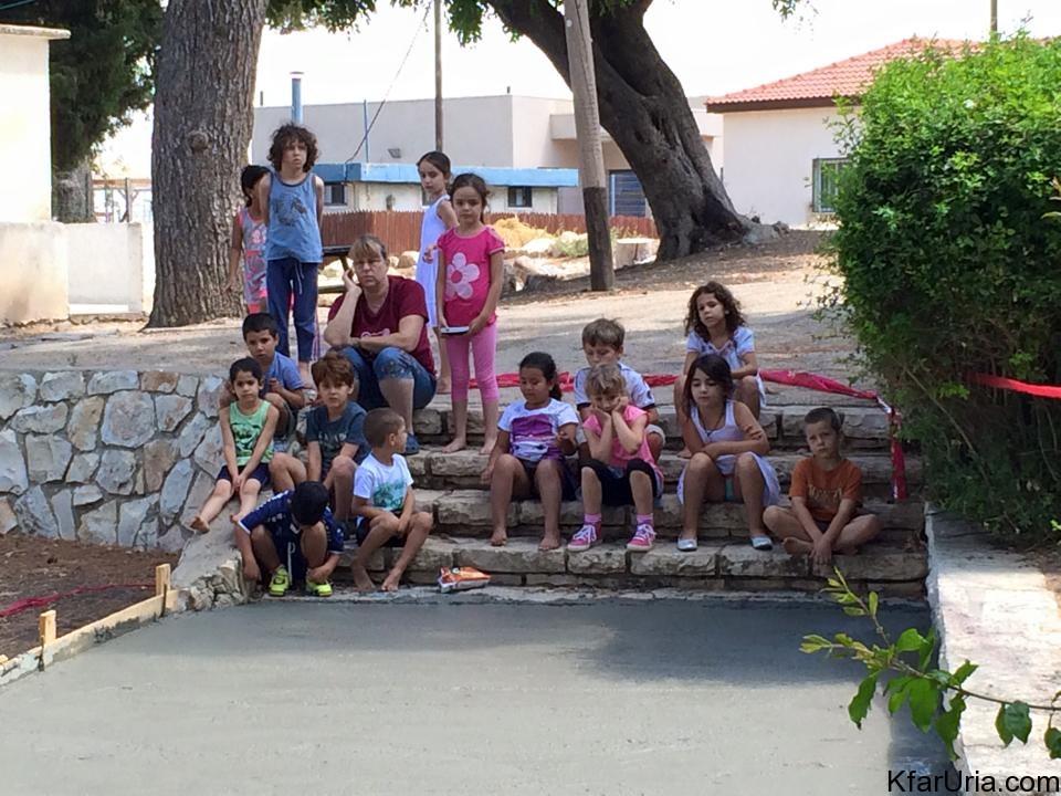 עבודות מתנדבים כפר אוריה 3