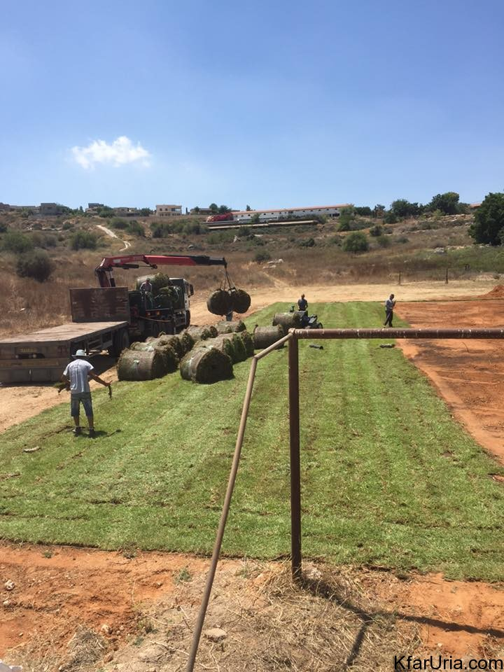 מקימים מגרש כדורגל בכפר אוריה 2016 4